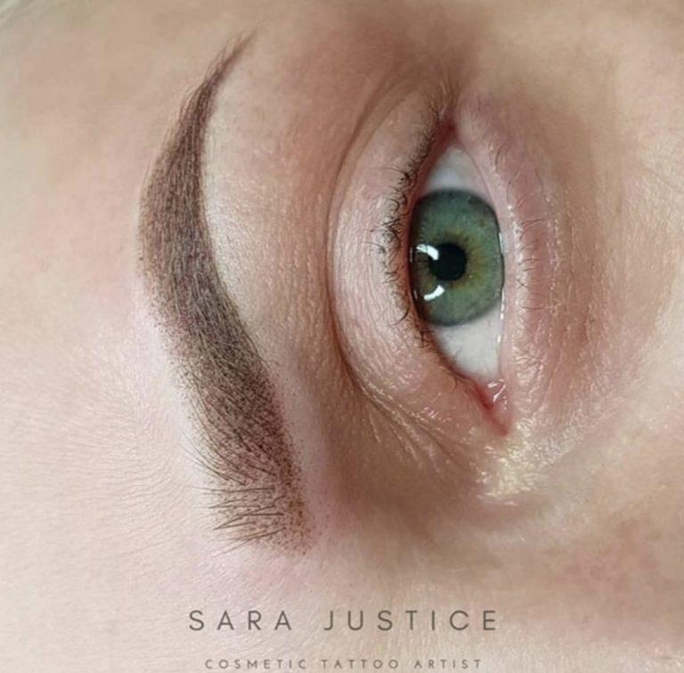 green eye - perfect brow