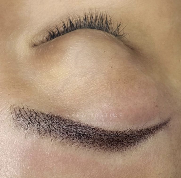 filling in sparce eyebrows